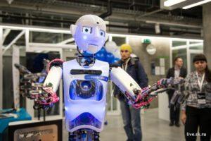 Уроки этики для искусственного интеллекта робота