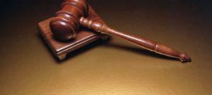 Суд идёт - дело против адвоката