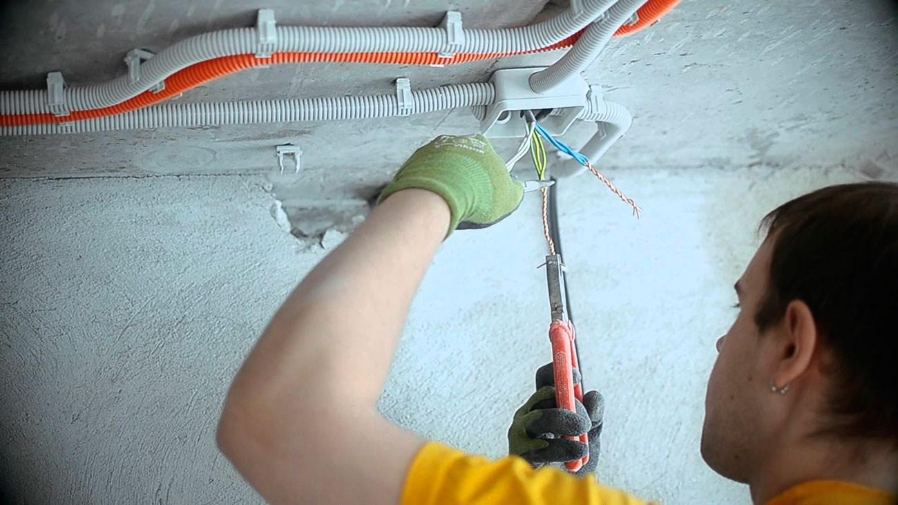 Основы замены электропроводки своими руками. Интересное из сферы строительства