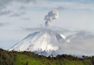 10 самых больших вулканов в мире