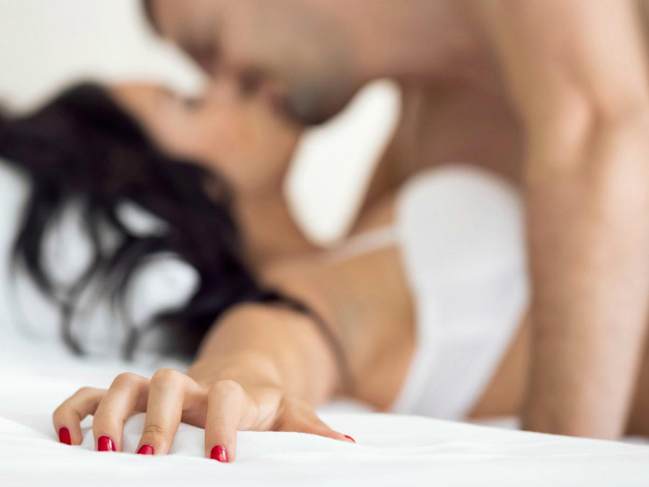 Как разнообразить интимную жизнь с постоянной партнёршей?
