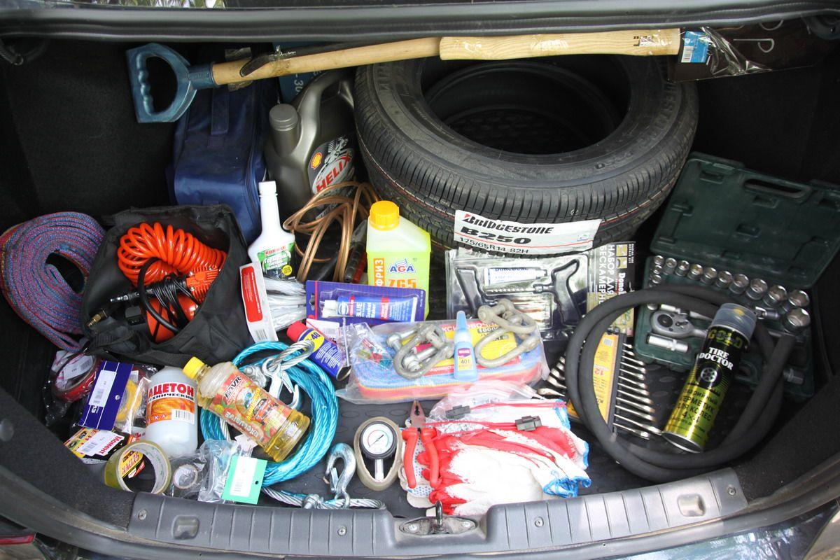 Инструменты, которые пригодятся каждому водителю