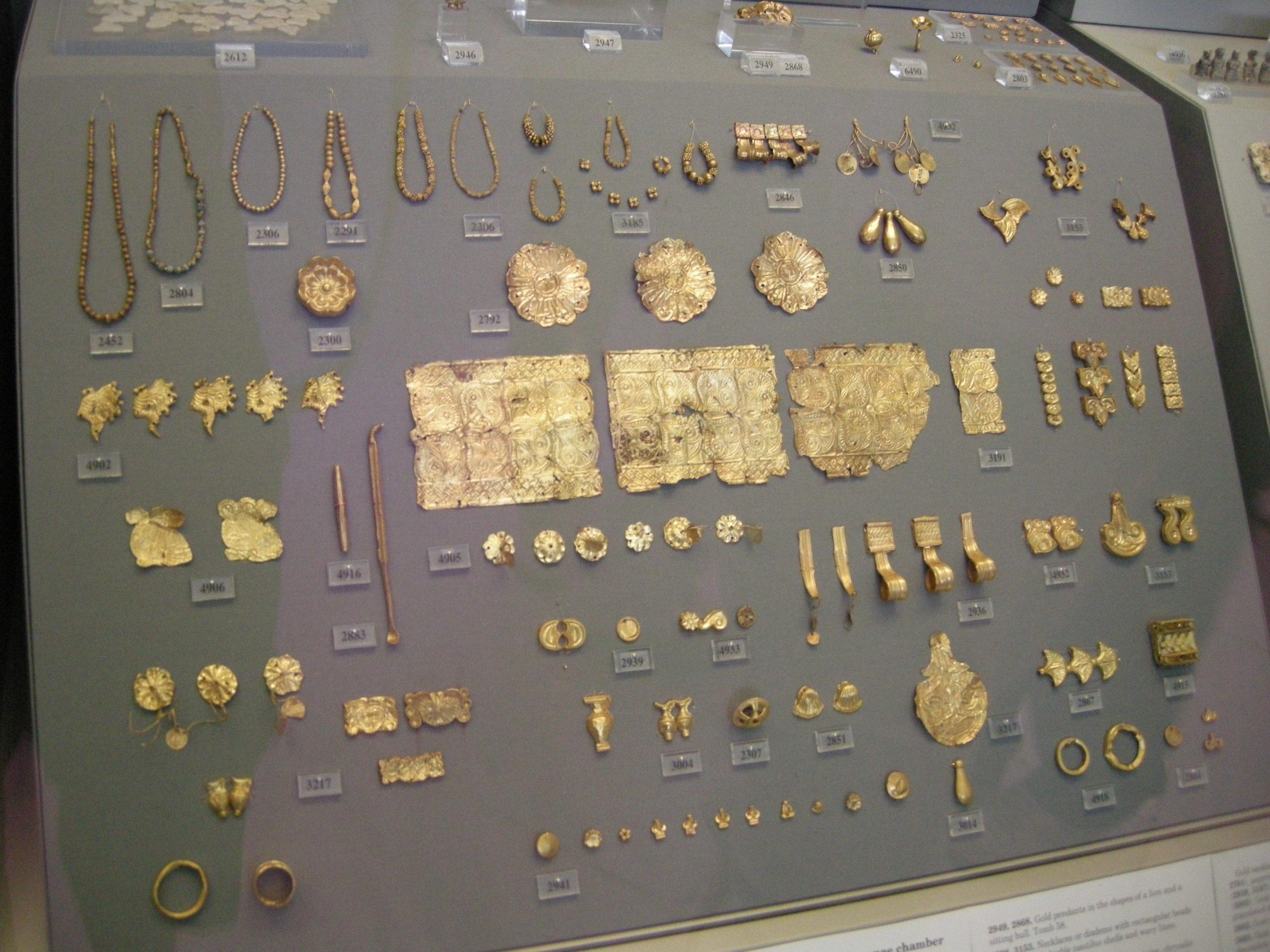 История ювелирных украшений