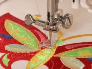 Вышивка на одежде ее разновидности и преимущества