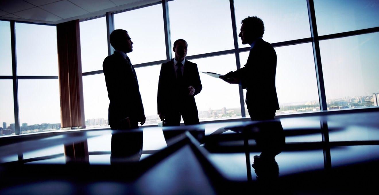 Сотрудник украл клиентскую базу и ушёл к конкурентам: что делать и можно ли избежать неприятных ситуаций?