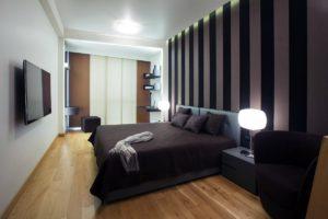 Как переделать комнату с помощью коричневых панелей