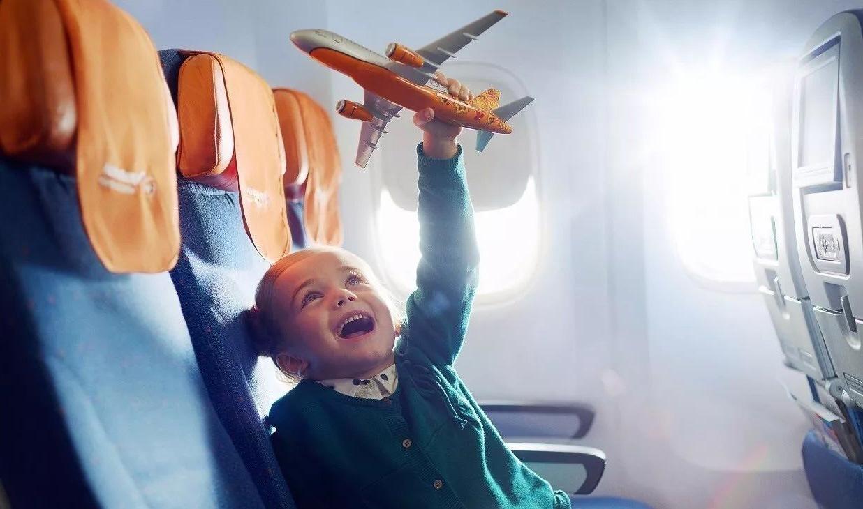 Путешествие с детьми в самолете. Что нужно знать