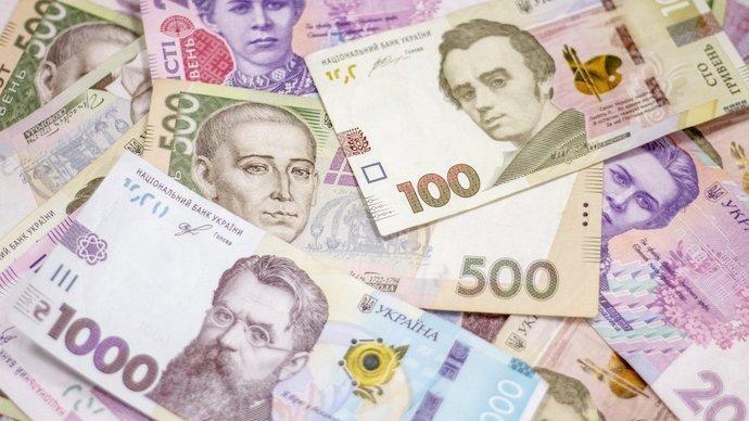Наживаются как могут. В Украине подключает платные услуги без ведома клиентов