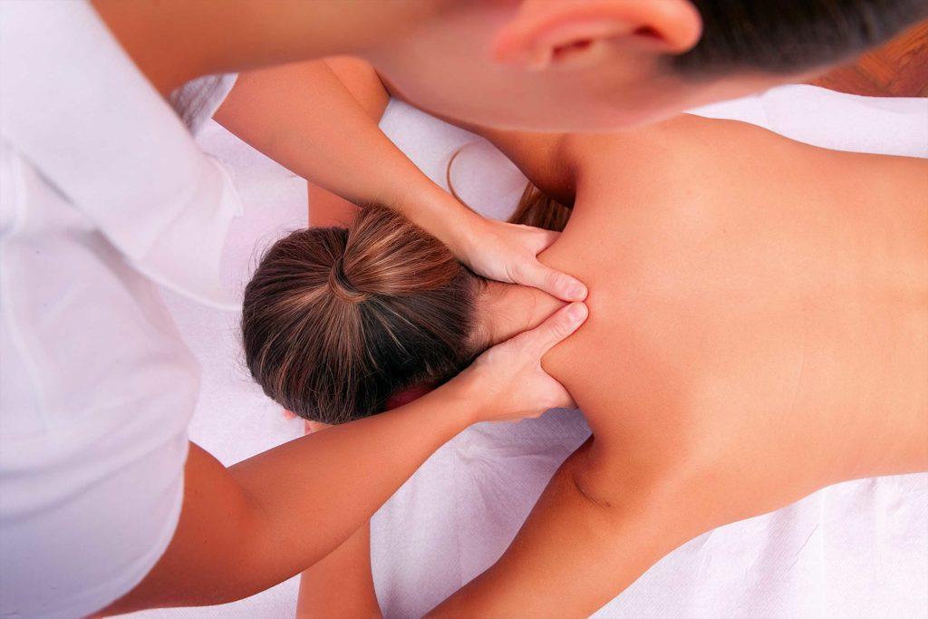 Чем полезен массаж шеи
